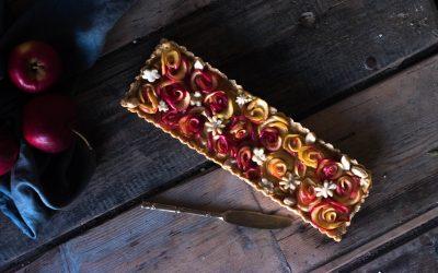 Apple rose frangipane pie